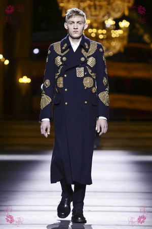 Dries Van Noten Fashion Show, Menswear Collection Fall Winter 2016 in Paris