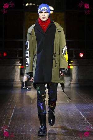 Moschino Fashion Show, Menswear Collection Fall Winter 2016 in London