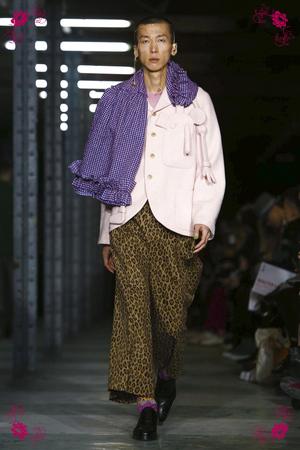 Walter Van Beirendonck Fashion Show, Menswear Collection Fall Winter 2016 in Paris