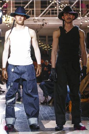 Yohji Yamamoto, Fashion Show, Menswear Collection Fall Winter 2016 in Paris
