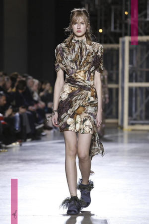 Christopher Kane Fashion Show, Ready To Wear Collection Fall Winter 2016 in London