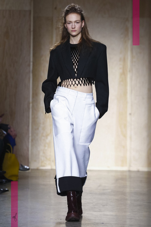 DKNY Fashion Show, Ready to Wear Collection Fall Winter 2016 in New York