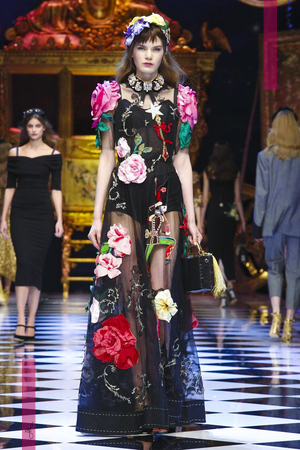 Dolce and Gabbana Fashion Show, Ready To Wear Collection Fall Winter 2016 in Milan