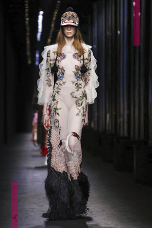 Gucci Fashion Show, Ready To Wear Collection Fall Winter 2016 in Milan