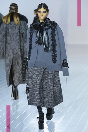 Marc Jacobs Fashion Show, Ready To Wear Fall Winter 2016 Collection in New York