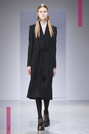 Chalayan Fashion Show, Ready To Wear Collection Fall Winter 2016 in Paris