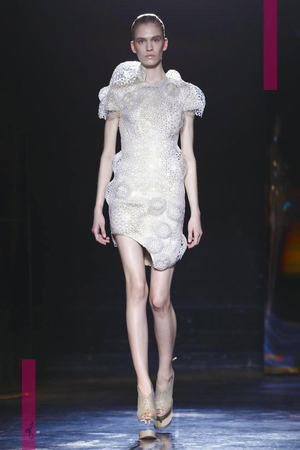 Iris Van Herpen Fashion Show Ready To Wear Collection Fall Winter 2016 in Paris