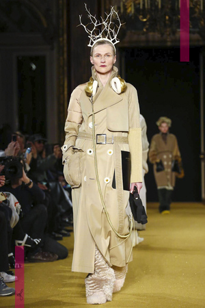 Undercover, Fashion Show, Ready To Wear Collection Fall Winter 2016 in Paris