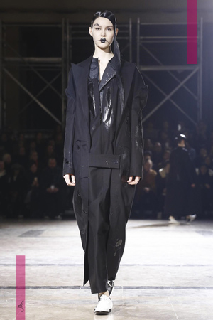 Yohji Yamamoto, Fashion Show, Ready To Wear Collection Fall Winter 2016 in Paris