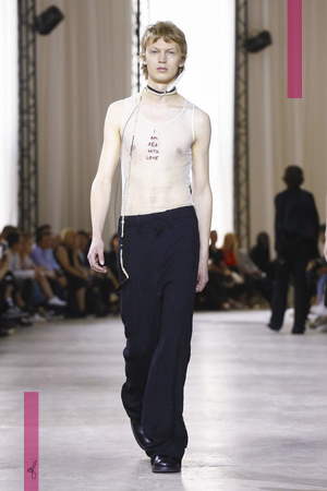 Ann Demeulemeester Fashion Show, Menswear Collection Spring Summer 2017 in Paris