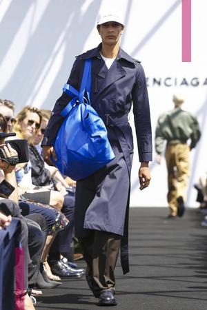 Balenciaga, Fashion Show, Mens Wear Collection Spring Summer 2017 in Paris