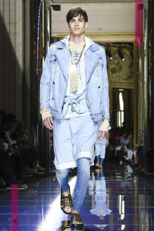 Balmain-Menswear-SS17-Paris-8711-1466875640-thumb