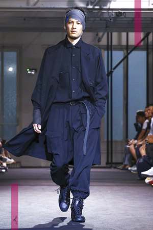 Yohji Yamamoto Fashion Show, Menswear Collection Spring Summer 2017 in Paris