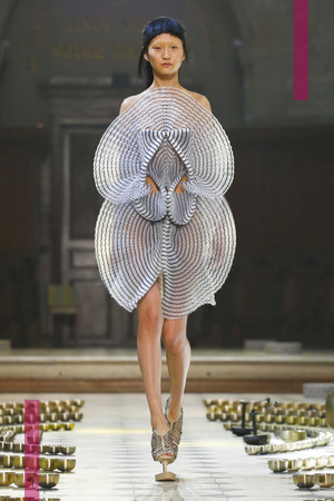 Iris Van Herpen,Couture Collection Fall Winter 2016 in Paris