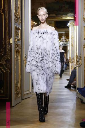 J.Mendel Couture Fall Winter 2016 Fashion Show in Paris