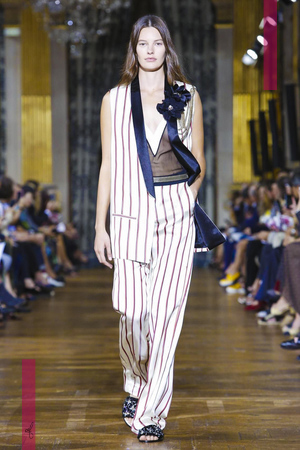 Lanvin, Women Fashion Show, Ready to Wear Collection Spring Summer 2017 in Paris