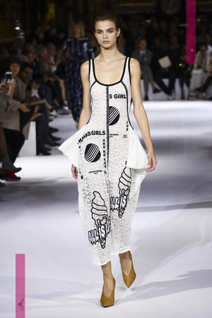 Stella Mccartney Fashion show, Ready to Wear collection spring summer 2017 in Paris