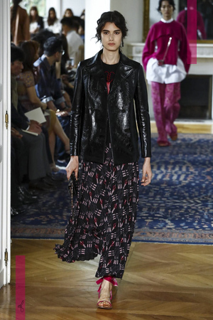 Valentino Fashion Show, Ready to Wear Collection Spring Summer 2017 in Paris