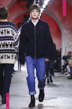 Dries Van Noten, Fashion Show Menswear Collection Fall Winter 2017 in Paris