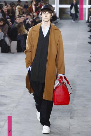 Louis Vuitton, Fashion Show, Menswear Collection Fall Winter 2017 in Paris