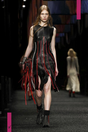 Alexander McQueen Fashion Show, Ready to Wear Collection Fall Winter 2017 in Paris