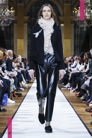 Lanvin Ready To Wear Collection Fall Winter 2017 Fashion Show in Paris