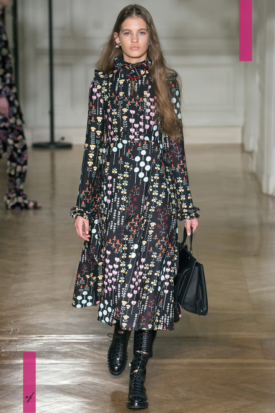 Valentino, Fashion Show, Ready to Wear Collection Fall Winter 2017 in Paris